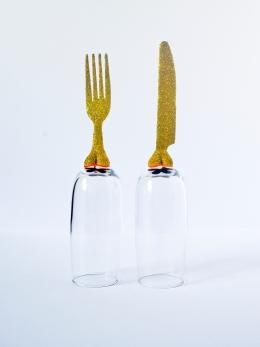 COUPE DE TABLE Céramique, acrylique vinylique fluorescente, paillettes doré. (Ø 5 x h 25 cm).