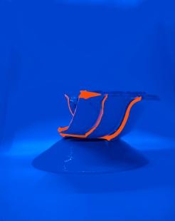 FRUITIER Céramique, acrylique vinylique fluorescente, paillettes doré. (Ø 25 x h 20 cm).
